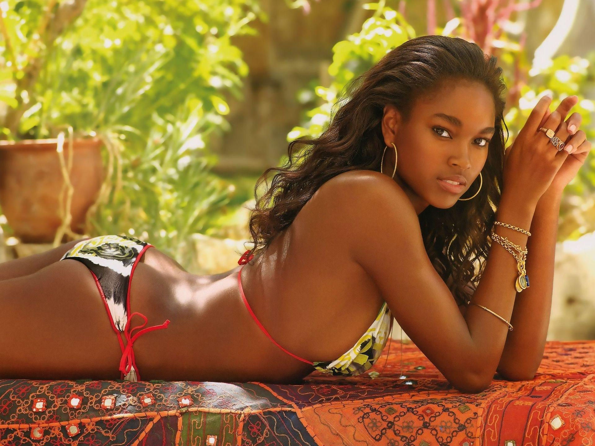Hot black girl photos