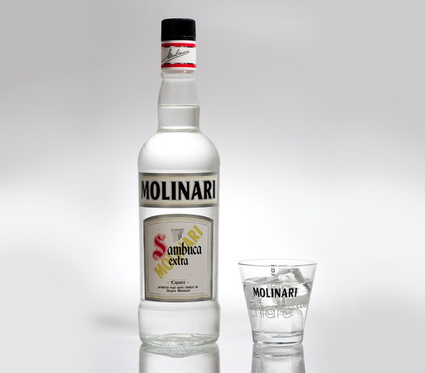 sambuca_glass