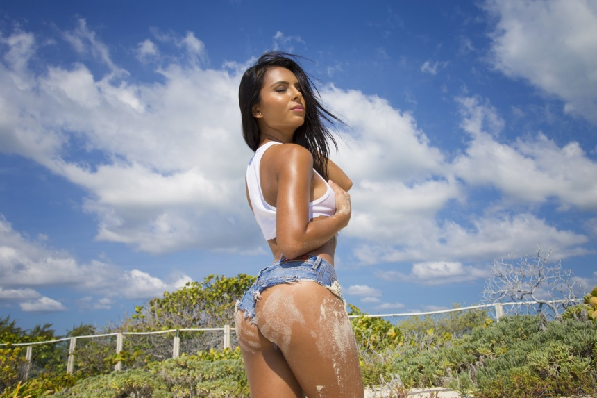 America With Sand On Her Sexy Ass She Shows Us Why When Many Men Go Latina They Dont Want Another Gringa Enjoy Our Eye Candy Of The Week For April