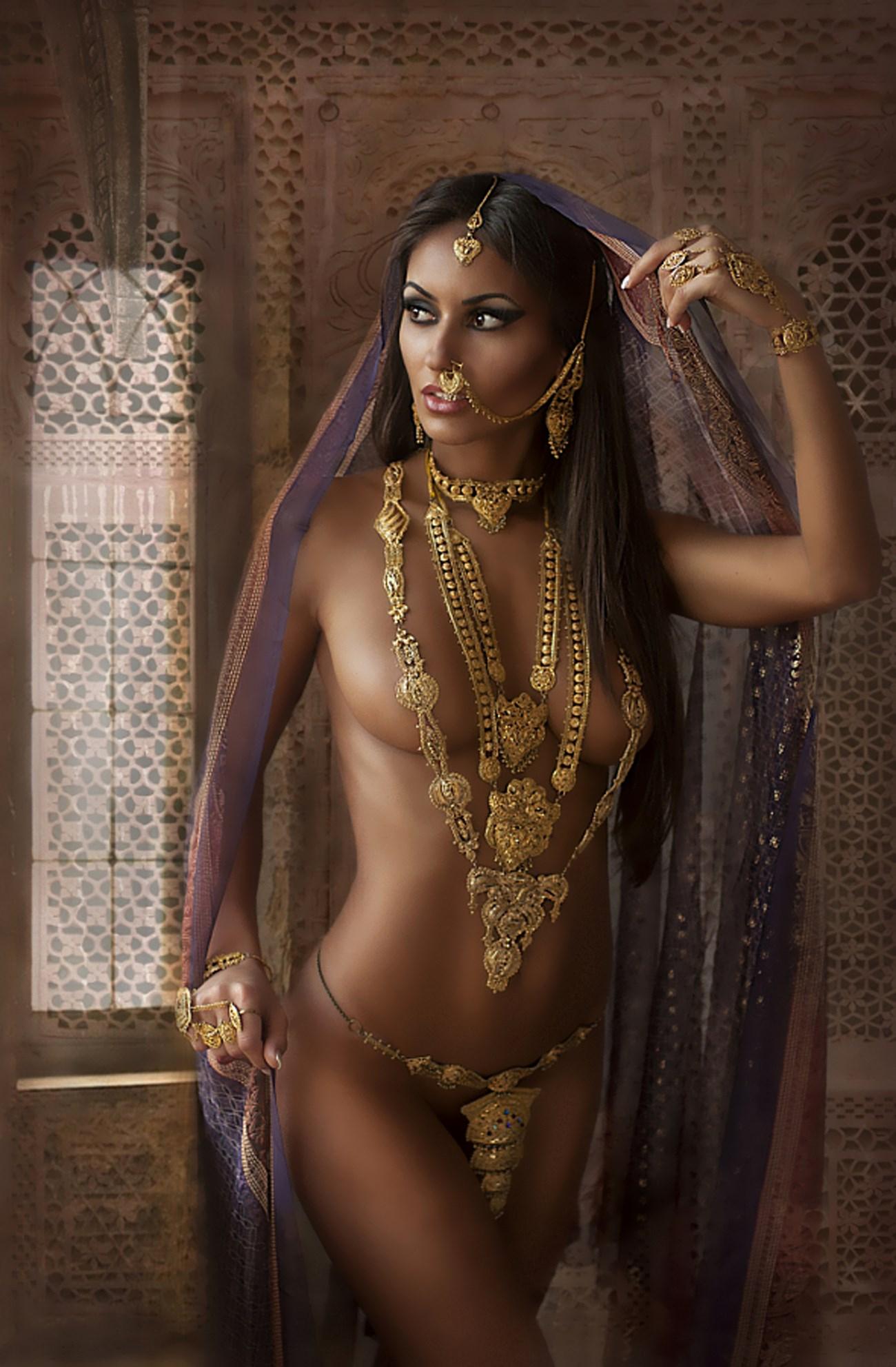 Скоморохова красивые обнаженные женщины индии