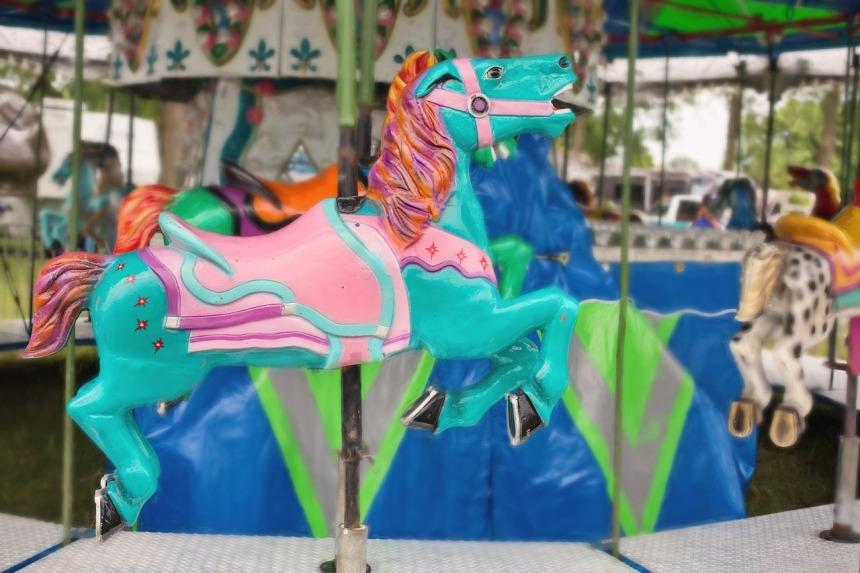 carousel-horse-2456907_1280