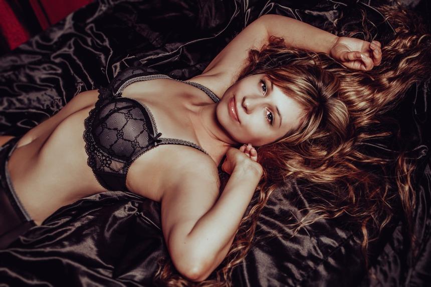 in-lingerie-2969981_1280