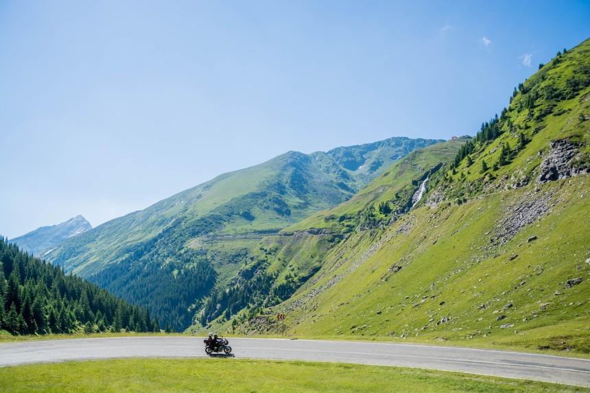 mountains-844871_1280