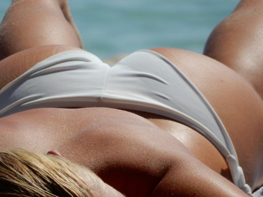 bikini-2194704_1280